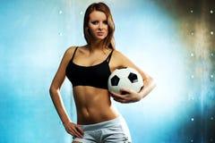 Ung sexig fotbollsspelare Royaltyfri Foto
