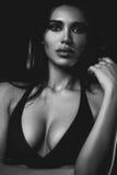 Ung sexig kvinnastående fotografering för bildbyråer