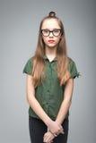 Ung spectacled flicka Royaltyfri Bild