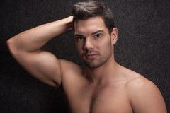 Ung till hälften naken man Arkivfoton