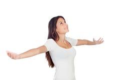 Ung tillfällig kvinna med hennes sträckta armar Royaltyfria Bilder