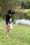 Ung tonåring på parkera Arkivfoto