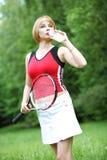 Ung utomhus- sportkvinna royaltyfria bilder