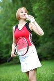 Ung utomhus- sportkvinna arkivfoton