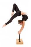 Ung yrkesmässig gymnastkvinna Arkivbilder