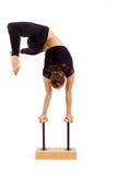 Ung yrkesmässig gymnastkvinna Arkivbild