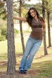 unga älskvärda outoors för 1 brunett Fotografering för Bildbyråer