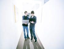 unga affärsmän Fotografering för Bildbyråer