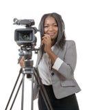 Unga afrikansk amerikankvinnor med den yrkesmässiga videokameran Arkivbilder