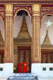 unga buddistiska monks Royaltyfri Foto