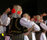 Unga dansare från Rumänien i traditionell dräkt 12 Arkivbilder