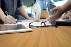 unga exponeringsglas för öga för affärsman Arkivbild
