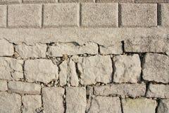 unga gammala stenar Arkivbild