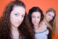 unga härliga tre kvinnor Royaltyfria Bilder
