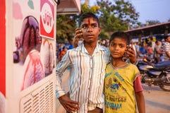 Unga indiska pojkar Arkivbilder