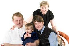 unga lyckliga föräldrar för barn Arkivfoto