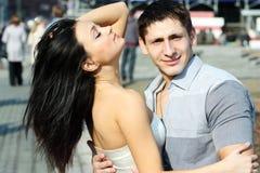 Unga lyckliga parvänner Arkivbild