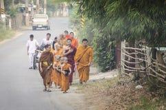 unga monks Arkivbilder