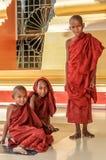 Unga munkar - Nay Pyi Taw royaltyfria foton