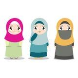 Unga muslimska flickor med olik kläder vektor illustrationer
