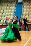 Unga par konkurrerar, i att dansa för sportar Fotografering för Bildbyråer