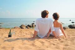 Unga romantiska par Arkivfoto