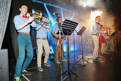 Unga snillar av jazz på klubban Olympia Royaltyfri Fotografi