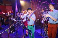 Unga snillar av jazz på klubban Olympia Fotografering för Bildbyråer