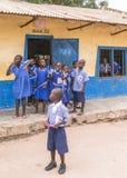 Ungar i skola Royaltyfri Bild