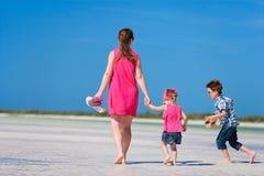 ungar mother semester två Royaltyfri Bild