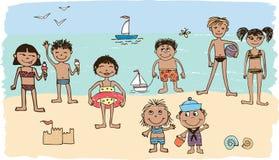 Ungar på en strand Arkivfoton