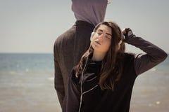 Ungar på stranden Arkivfoton