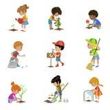 Ungar som arbeta i trädgården illustrationuppsättningen Royaltyfria Foton