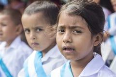 Ungar som firar självständighetsdagen i Central America royaltyfri bild