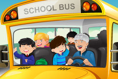 Ungar som har gyckel i en skolbuss stock illustrationer