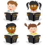 Ungar som läser den heliga bibeln royaltyfri illustrationer
