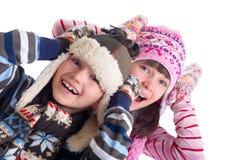ungar som skrattar vinter Arkivfoto