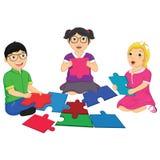 Ungar som spelar pusselvektorillustrationen stock illustrationer