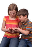 ungar som texting royaltyfria foton