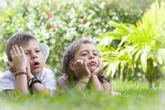 ungar två arkivfoto