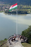 Ungarische Flagge mit schöner Landschaft Stockfotos