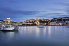 Ungarische Marksteine auf der Donau Stockbilder