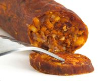 Ungarische, selbst gemachte Nahaufnahme der Wurst (Salami) Stockfotos