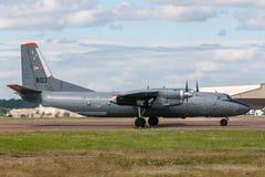 Ungarisches Militär Luftwaffen-Ungarisch Legiero Antonow An-26 transportiert Flugzeuge stockfotos
