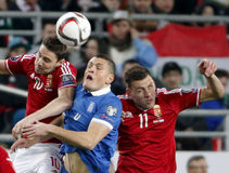 Ungarn gegen die Niederlande Fußballspiel 2016 der Griechenland UEFA-Euronäheren bestimmung Stockfotos