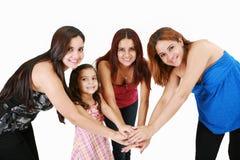 Ungdomarmed för händer familjbegrepp tillsammans - Arkivfoto