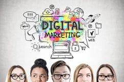 Ungdomars huvud, digital marknadsföring Arkivfoton