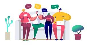 Ungdomarsom sitter på soffan och skriver meddelanden i pratstund genom att använda smartphonen, bärbar dator Vänner pratar via mo royaltyfri illustrationer