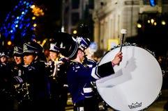Ungdommusikbandhandelsresande på natten Royaltyfri Bild