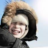 Unge i vinter Arkivfoton